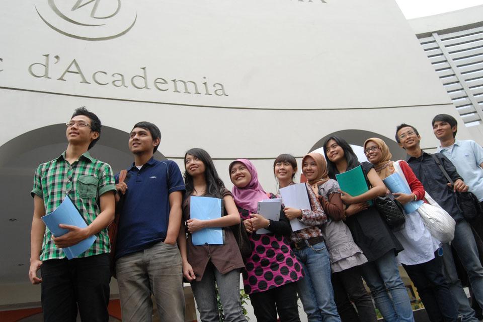 Fakultas Bahasa Universitas Widyatama