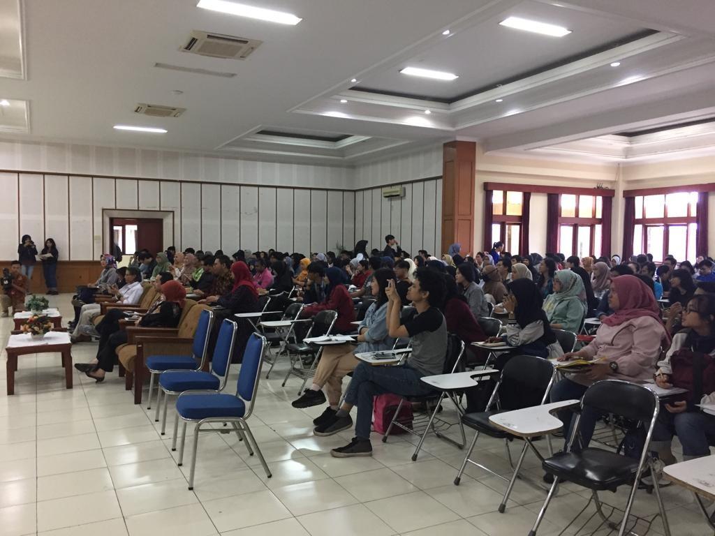 Kuliah Umum Fakultas Bahasa 4