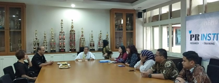 Memorandum of Agreement (MoA) Fakultas Bahasa dengan PR Institute